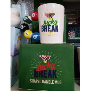 "Taza ""Lucky Break"" con asa de bolas de billar"