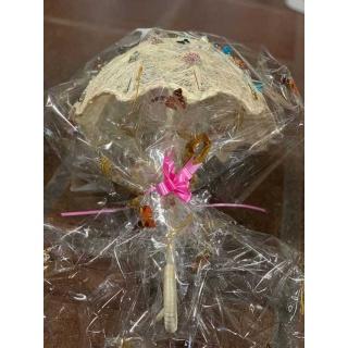 Pack de 50 alfileres con Paraguas de rafia