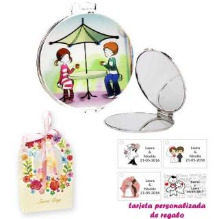 Espejo con sombrilla y niños, con caja de flores, y tarjeta personalizada