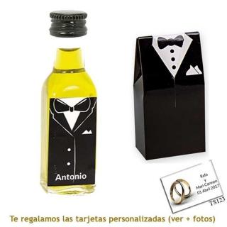 Botellita de Aceite de Oliva con etiqueta de novio y una original caja a juego