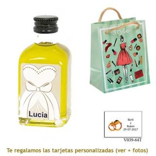 Botellita de Aceite de Oliva con etiqueta de novia y bolsa con mujer y maquillaje